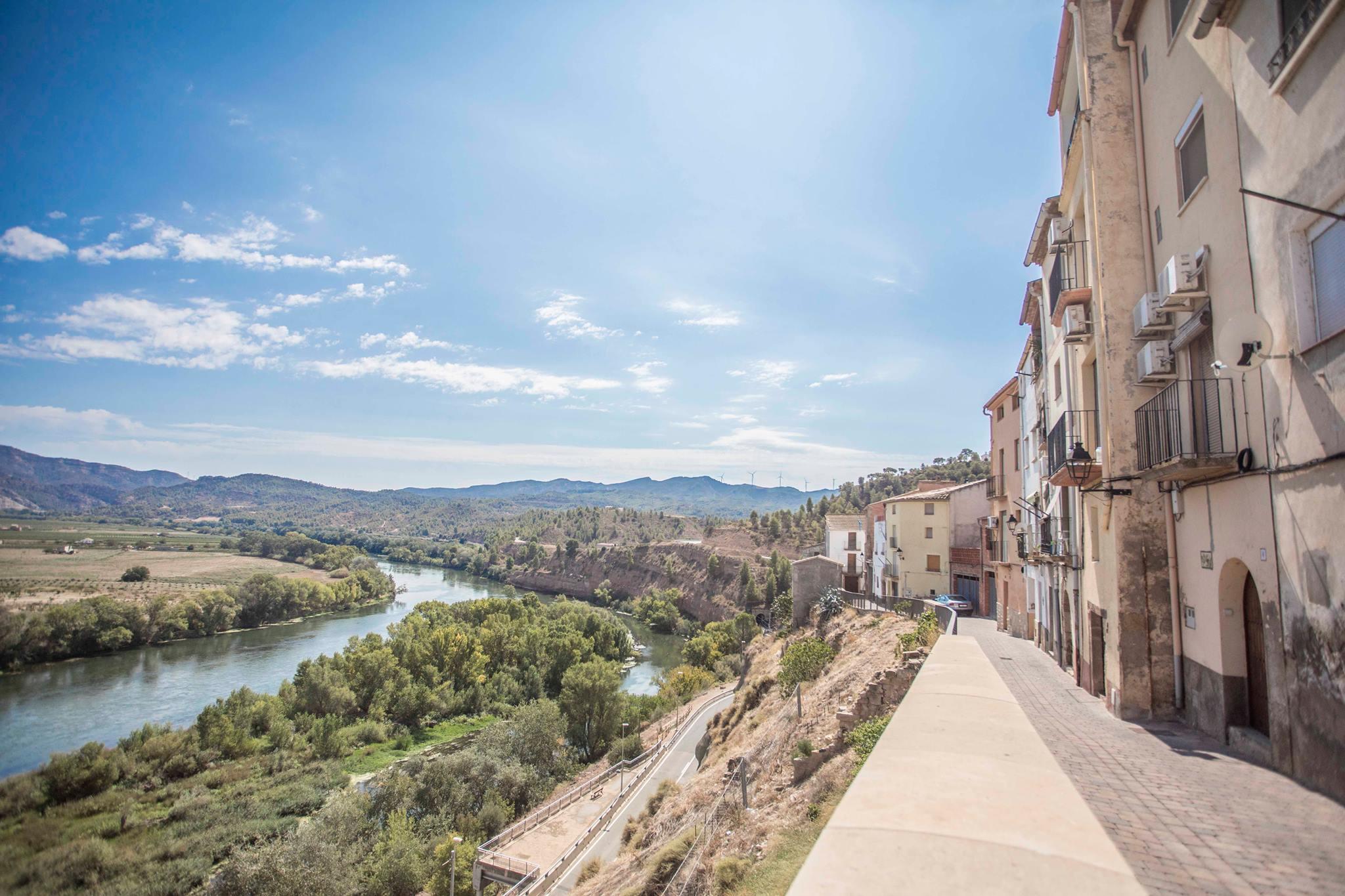 Vistes del riu Ebre des del Carrer de la Mola d'Ascó