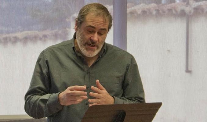 Jordi Dorca a la presentació del poemari 'La Barberia', de Josep Checa | Font: Metàfora