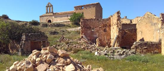 El poble abandonat de Pinyeres - Batea