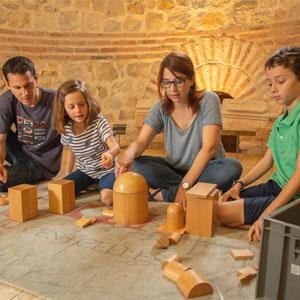 Activitat familiar 'Al taller de Terenci Càndid!' al Museu nacional Arqueològic de Tarragona