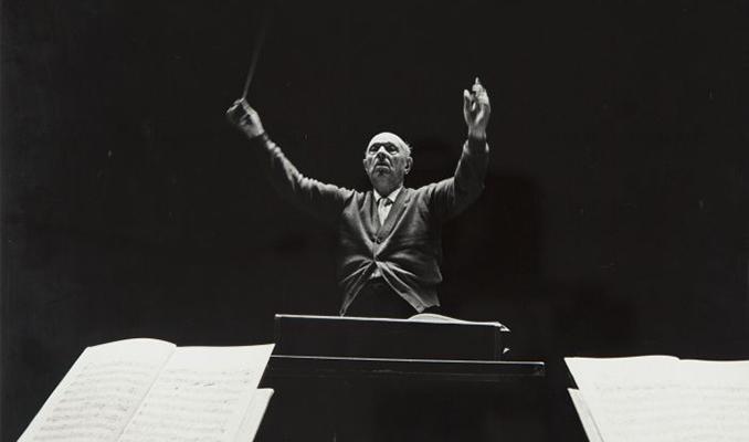 Pau Casals dirigint El Pessebre a Filadelfia, 1963.