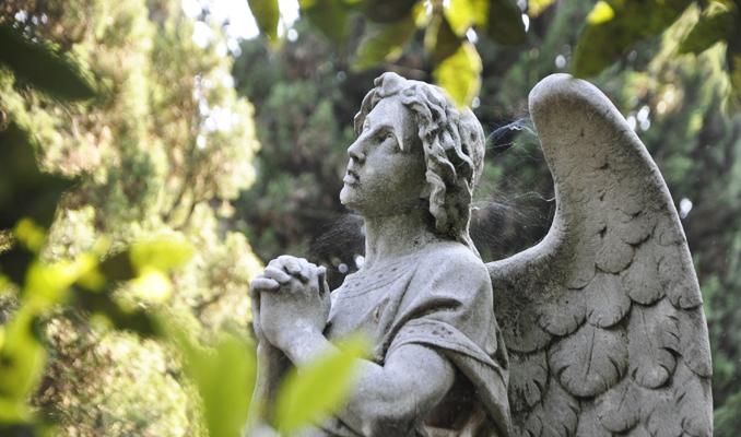 Detall de la tomba d'Eugeni d'Ors al cementiri de Vilafranca del Penedès