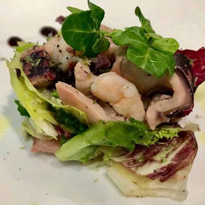 Amanida de pop i llagostins de Sant Carles - Hotel Restaurant Diego