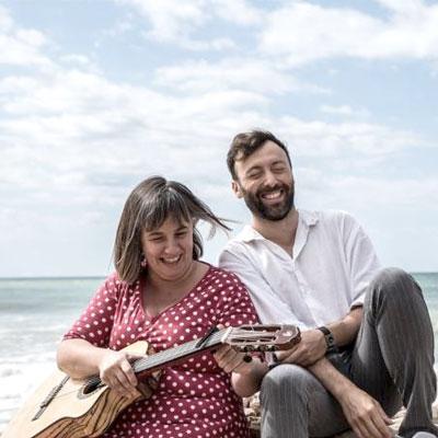 Espectacle músico-poètic 'amics' de Carla Barroso i Dafnis Balduz