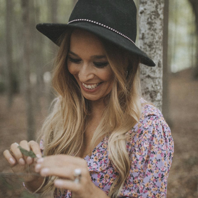 Beth, cantant, Beth Rodergas