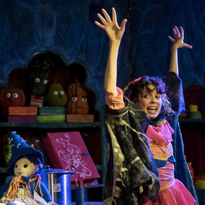 Teatre familiar 'Tina, la Bruixa Fina' de la companyia Fornal d'Espectacles