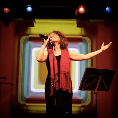 Carolina Blàvia, músic, Fado