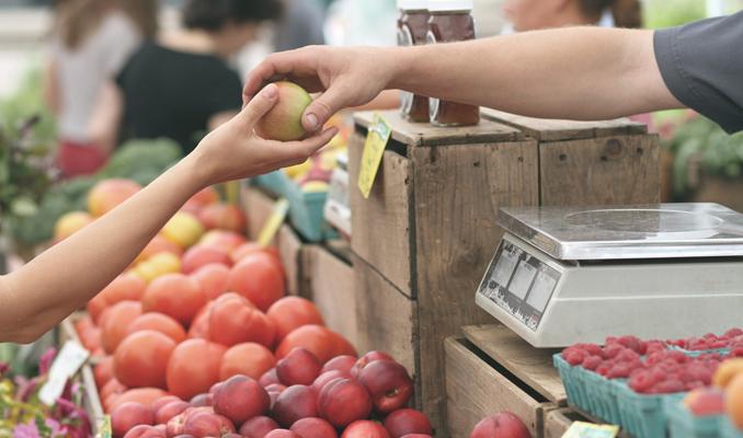 Una parada de fruita i verdura