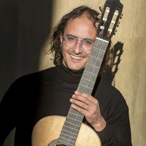Miquel Hortigüela, Músic, Guitarra