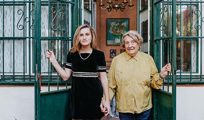 Georgina Torrado i Isabel Pujol, neta i àvia