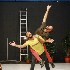 Espectacle de dansa 'Y pq John Cage?' de Jorge Dulton i Guillem Mont de Palol