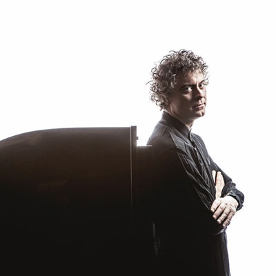 Paul Lewis, pianista, músic
