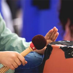 Activitat familiar 'Reutilitzem objectes per crear instruments' a càrrec de Còdol Educació