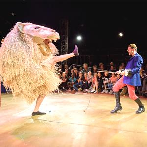 Espectacle de circ 'Plus haut!' a càrrec de la companyia francesa Barolosolo