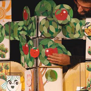 Espectacle 'Una poma, un pomer' a càrrec de la companyia De Paper