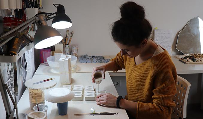 La dissenyadora Raluca Buzura.