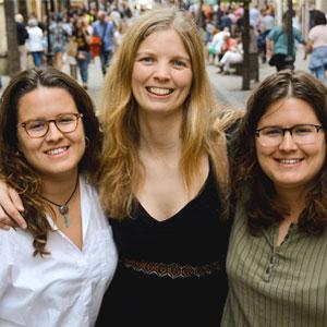 Espectacle 'Tres voltes rebel' a càrrec d'Alba Lupiañez, Mónica i Laura Rabassa