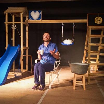 Teatre familiar 'Gotes d'aigua sobre una fulla d'alzina' de Genovesa, Narratives Teatrals.