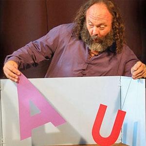 Espectacle de titelles 'Històries de lletres' a càrrec de David Laín de l'Estenedor Teatre