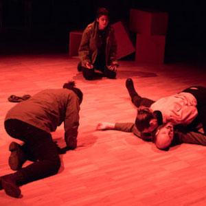 Teatre 'Trenta Vuit' - Fils enredats