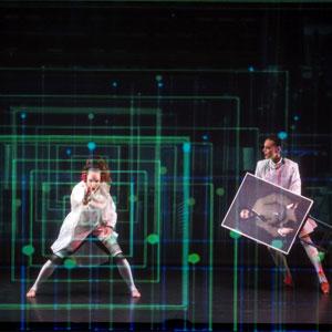 Espectacle de dansa 'Viatge al centre de la Terra' a càrrec de Roseland Musical, una versió lliure de la novel.la de Julio Verne.