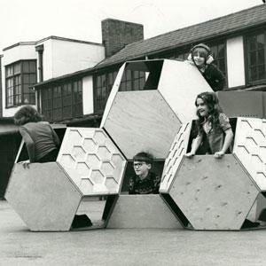 Victor J. Papanek, estructura de jocs mòbils Tetrakaidecahedral