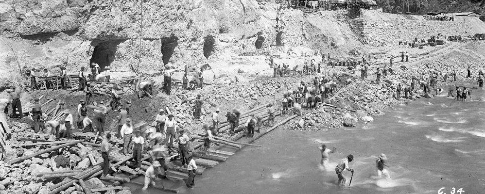 Conctrucció de la presa de Camarasa