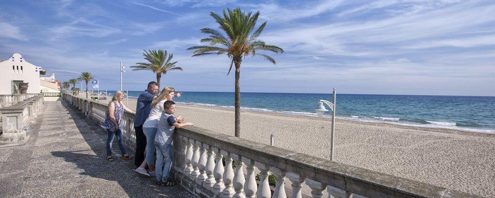 La platja de Sant Salvador des de la Vil·la Casals