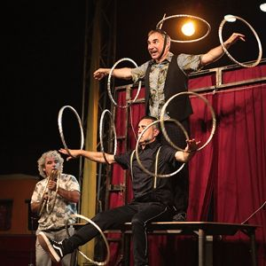 Espectacle de circ 'Set Up' amb Los Barlou