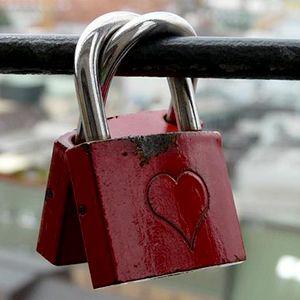 Conferència, L'amor etern, Les equacions de l'amor de debò, José Manuel Rey, cadenat, candau, cor